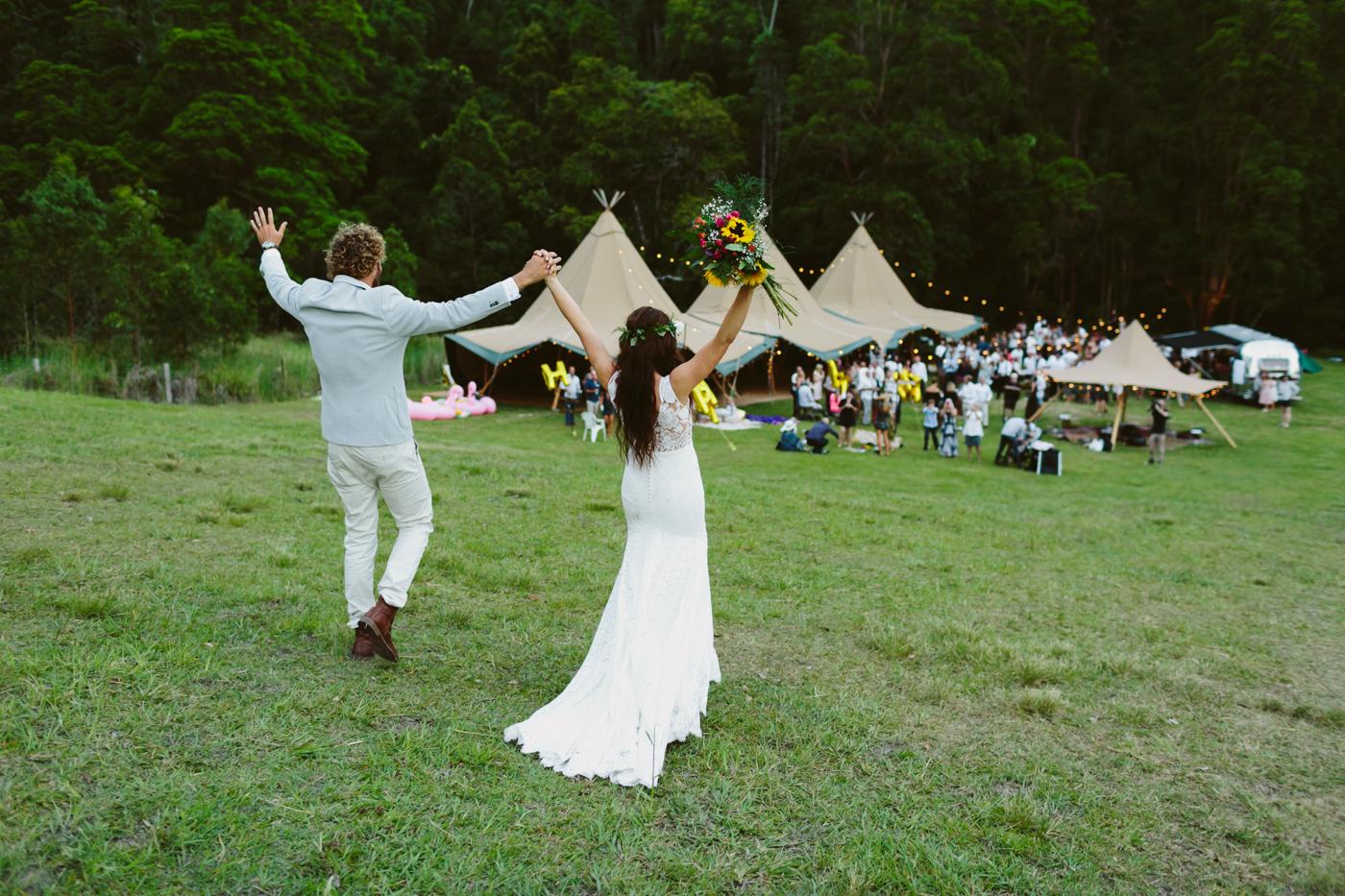 https://goldcoasttipis.com.au/diy-wedding-checklist/