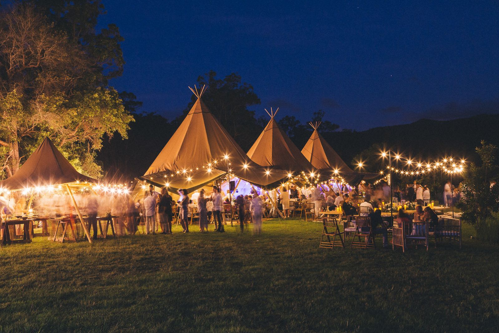 Triple Kata Tipi Boho Love Fest Wedding